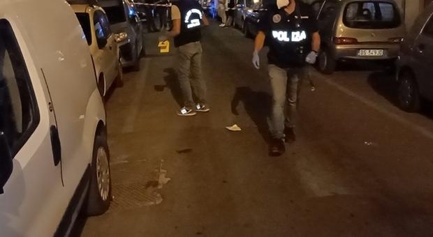 Taranto, ragazzo di 21 anni ucciso in un agguato per strada: sparati 5 colpi di pistola
