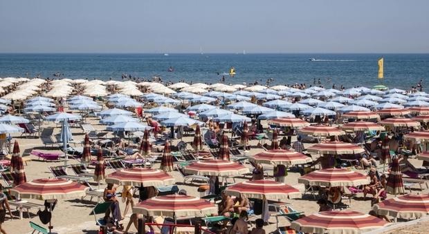 Bonus vacanze, 146 mila richieste con l'ostacolo app: lo sconto fino a 500 euro vale entro dicembre