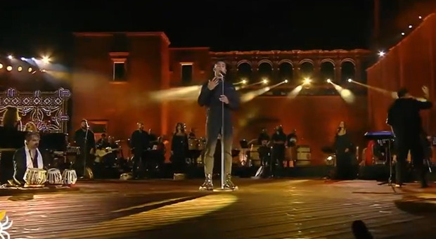 Mahmood, polemiche per la canzone in arabo alla Notte della Taranta: «Cosa c'entra con la Puglia?»