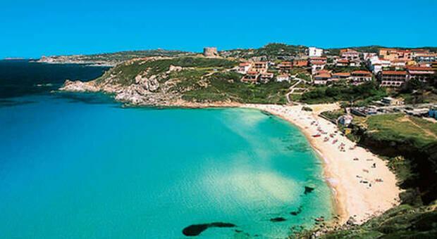 Santo Stefano, l'isola della quarantena e la rivolta dei turisti: «Sequestro di persona»