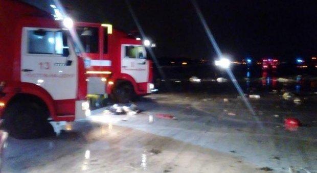 Russia, aereo si schianta a Rostov: 62 morti sul volo da Dubai