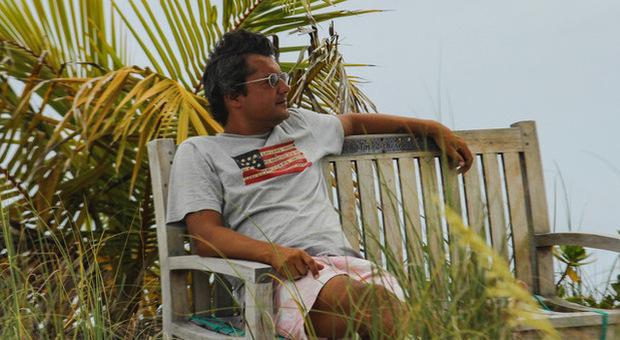 «Mollo il posto da manager alla Geox e vado a vivere alle Bahamas»... e senza un piano B