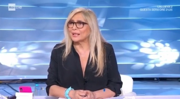 Mara Venier: «Tifosi in piazza a Napoli? Anche io mi sarei tolta la mascherina per festeggiare»