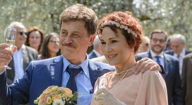 Auguri Matrimonio Amici Intimi : Massimo wertmuller sposa la storica compagna anna: tra gli ospiti