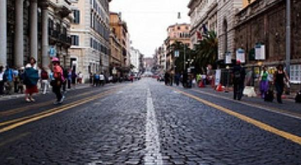 Marino: «Togliere i sampietrini da via Nazionale»