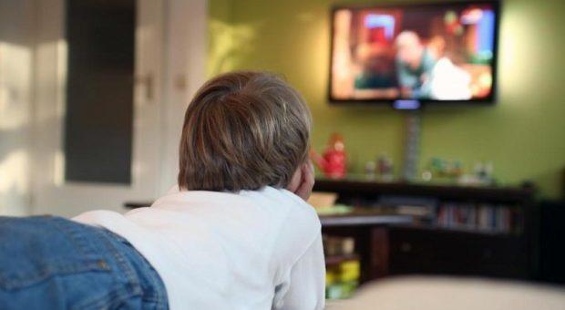 Camera Da Letto Bambino : La tv in camera da letto dei bambini fa ingrassare soprattutto le