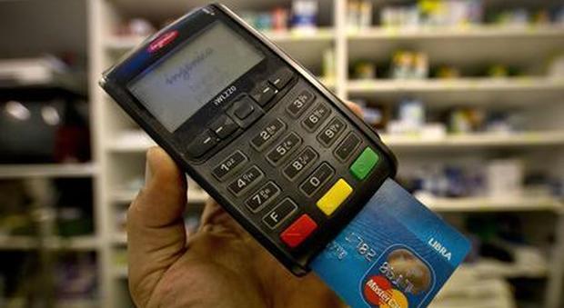 Manovra, dal supermercato alla banca: cosa cambia con le nuove regole sull'uso del contante