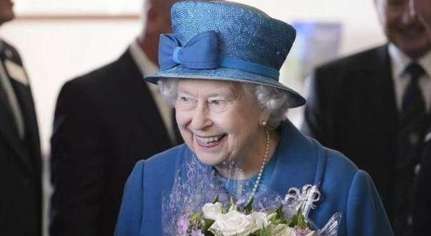 Bimba di 9 anni scrive alla Regina Elisabetta, ed Elisabetta risponde