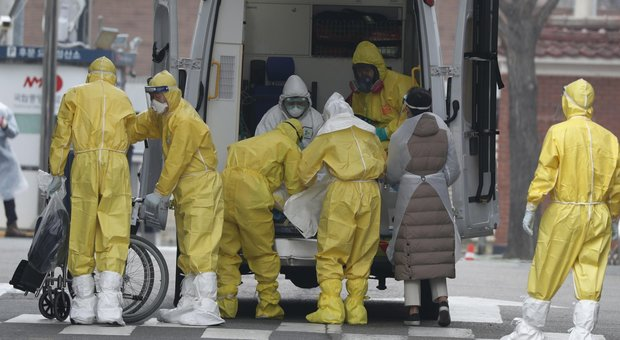Coronavirus, i coniugi di Wuhan allo Spallanzani: «Nessuno contagiato da noi»