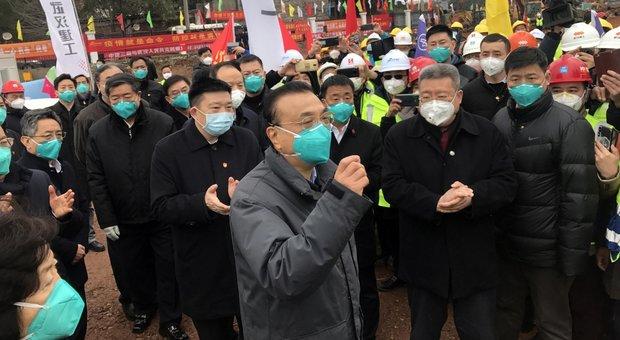 Coronavirus, come è cominciata l'epidemia: «Portato a Wuhan da una persona già infetta»