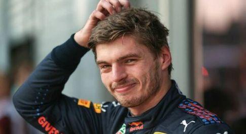 Max Verstappen se la ride a Monza