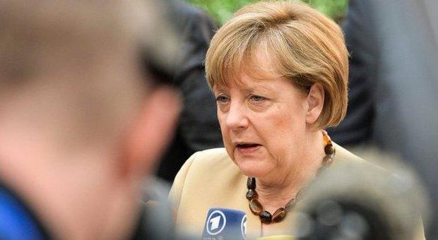 Germania, computer della Merkel attaccato dagli hacker: colpita l'intera rete informatica del Bundestag