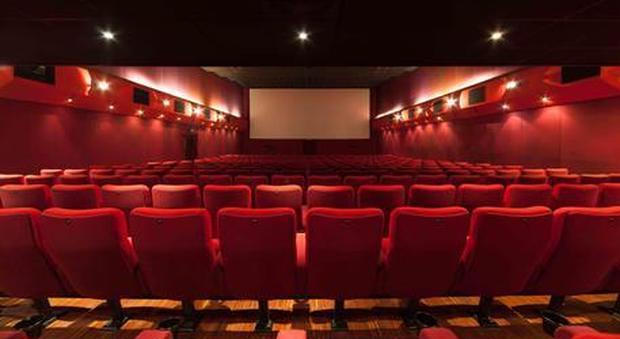 Cinema aperti, ma la partenza è un flop: il film più visto incassa solo 1.300 euro