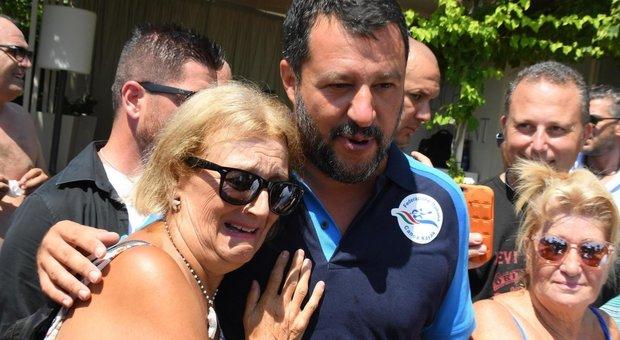Salvini anticipa la manovra che ha in mente la Lega: «Tasse al 15%, no aumento iva e pace fiscale»