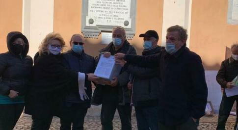 Amelia, la Giunta Pernazza sostiene la battaglia per l'ospedale comprensoriale. Firmata la petizione presentata da sindacati e cittadini.