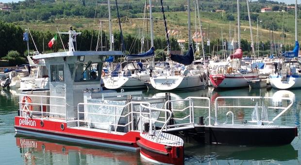 """Il Pelikan, """"aspirapolvere"""" del mare"""