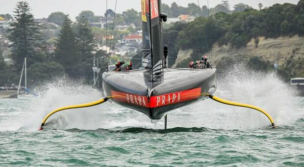 Luna Rossa, la tecnologia dei foil dall'America's cup al golfo di Napoli: le derive mobili nelle nuove barche a vela per tutti
