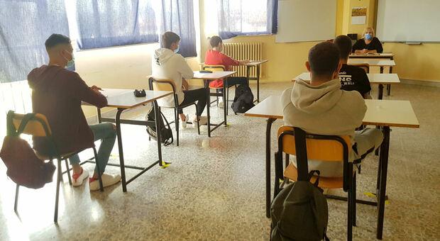 Scuola a Roma, caos aperture: «Doppie entrate e bus, il piano è da rivedere»