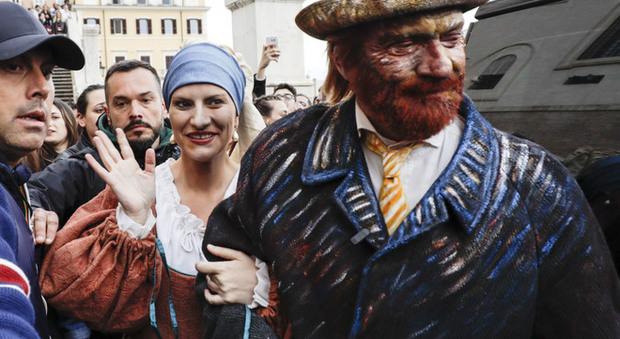 Laura Pausini e Biagio Antonacci, flash mob a sorpresa in piazza di Spagna