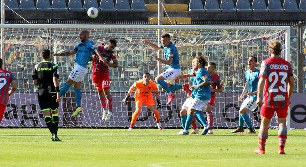 Serie B, l'altro Insigne porta il Benevento a 3 punti dalla A. Il Perugia supera l'Ascoli
