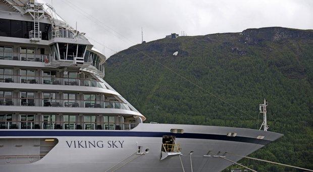 Nave crociera in avaria la viking sky costruita da fincantieri che