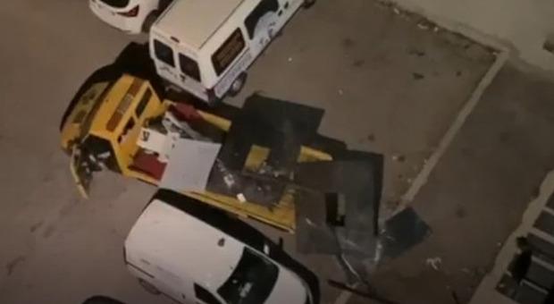 Roma, arrestato il capo della banda dei bancomat: ecco come faceva