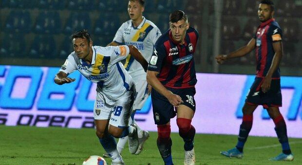 Frosinone ko anche a Crotone, Pescara vittoria per i play out