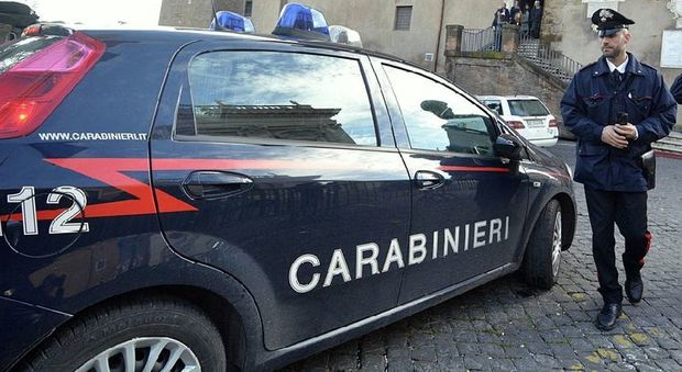Firenze, rubano i soldi delle offerte in chiesa: coppia arrestata