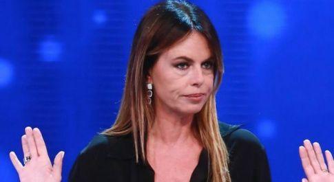 Paola Perego, guerra in Rai: Presta contro Freccero e salta la presentazione di Superbrain