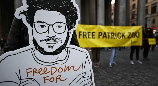 Patrick Zaki resta in carcere in Egitto: lo studente rischia fino a 25 anni
