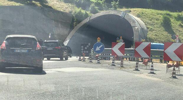 A14, incidente tra due auto nella deviazione di carreggiata: un morto