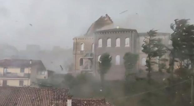 Uomo travolto dalla piena di un torrente nel Varesotto: disperso. Grandinate e alluvioni nel nord Italia