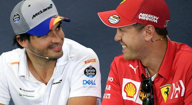 Carlos Sainz e Sebastian Vettel