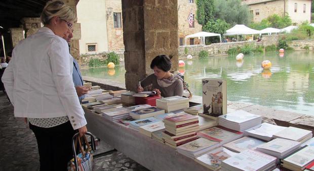 I Colori Del Libro Bagno Vignoni : Le terme di bagno vignoni benessere in val d orcia