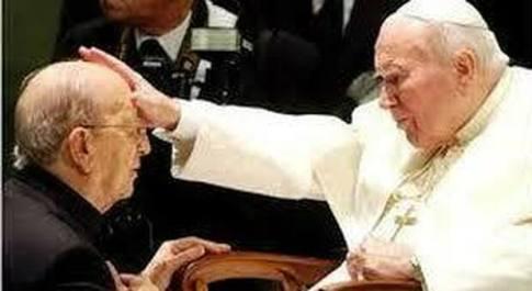 La strenua lotta delle vittime di padre Maciel, il pedofilo che getta ombre su Wojtyla e sul Vaticano