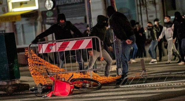 Scontri Roma, 16 denunciati, anche minorenni: la metà è di Forza Nuova e ultrà giallorossi