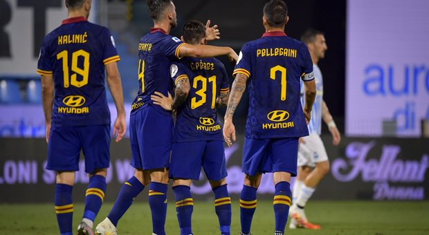 La Roma travolge la Spal 6-1 e respinge il Milan