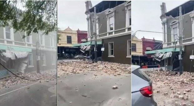 Terremoto a Melbourne, scossa di 6.0: paura in strada, le immagini dei palazzi distrutti