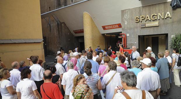 Roma, Atac annuncia la riapertura della stazione Spagna in settimana. Ma il Mit: mai dato l'ok