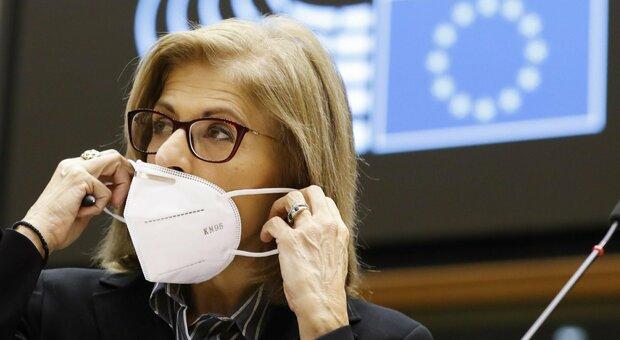 Natale, l'Ue: «Deve essere più sicuro, allungare le vacanze ed evitare messe affollate»