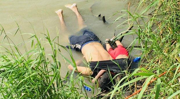 Usa-Messico, padre e figlia di 2 anni annegano nel Rio Grande. La foto indigna l'America