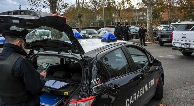 Roma, agguato con pistola ad Acilia: ferito un 44enne pregiudicato