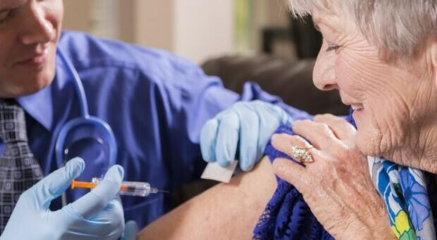 Viggiù, il comune con più vaccinati in Italia: «Oltre l'80% della popolazione è immune»