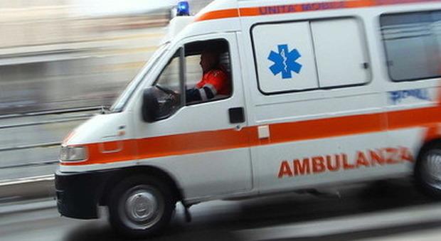 Risultati immagini per ambulanza in corsa