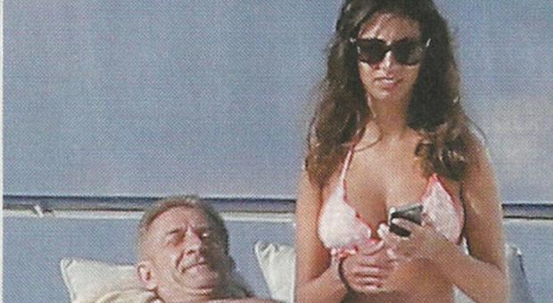 Ezio Greggio con la fidanzata Simona Gobbi a Sanit Tropez