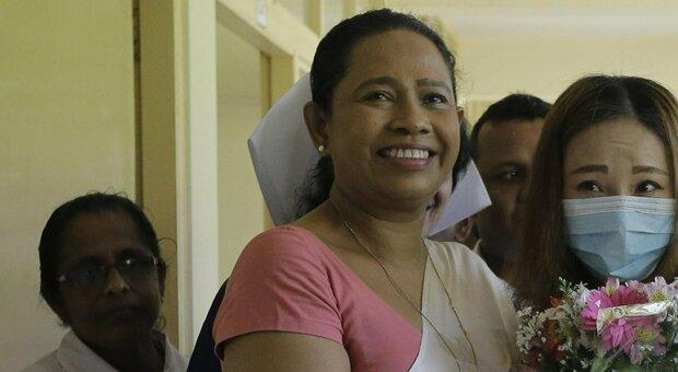 «Covid, questa pozione con miele e noce vi proteggerà»: ma la ministra della Salute dello Sri Lanka si prende il virus