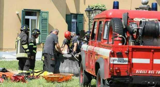 Bambino cade in un pozzo e muore a Gorizia: volo di 30 metri, era al parco con il campo estivo