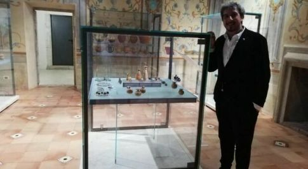 Fara Film Festival, l'attore Paolo Ruffini visita il museo civico archeologico