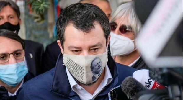 Salvini alza i toni: «Subito cabina di regia con Draghi su riforme e migranti». Intercettata dalla GdF un'imbarcazione