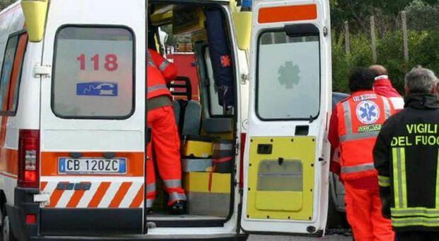 Varese, bimbo di 9 anni cade da finestra per salutare amico, è grave